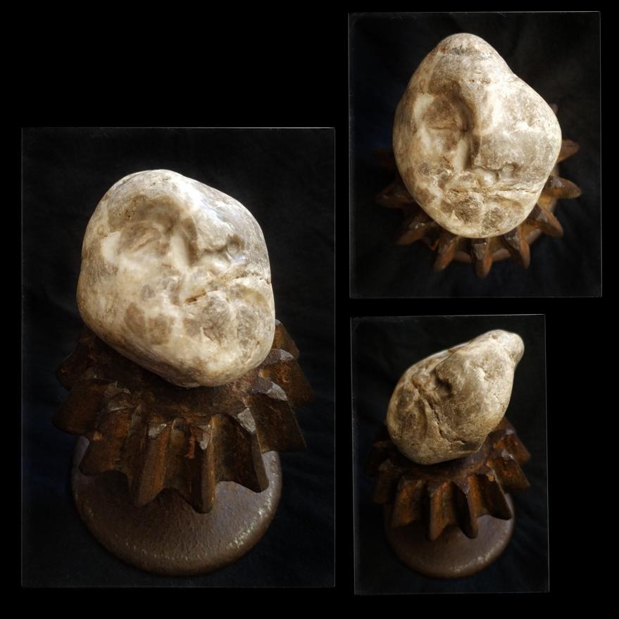 Stone. 5x5x4cm. 75€